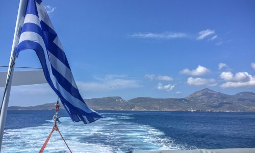 8 tips if you've just booked a Santorini boat tour, Greece